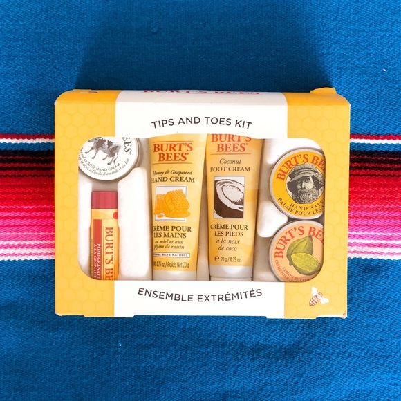 Burt's Bees Tips & Toes kit NWT